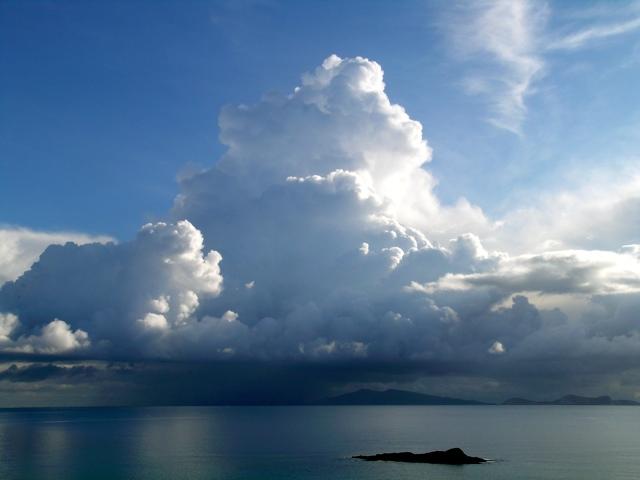 Wie entstehen Wolken? | Ferienhäuser in Azalas