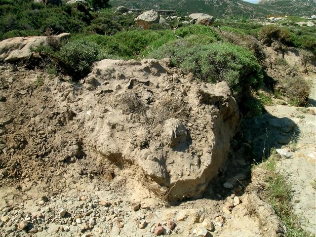 sandiger Boden über Granit