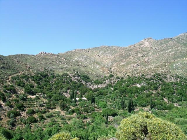 das Tal südlich des Koronos-Berges