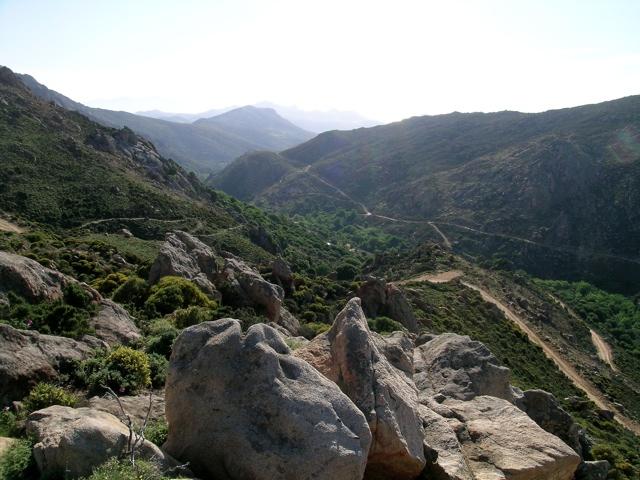 das Tal südlich das Koronos